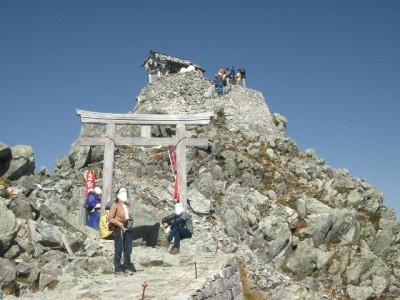 立山 070・雄山神社で結婚式a (640x480)