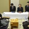 第63期王座戦、羽生王座、佐藤八段を破って、2-2のタイに持ち込む。