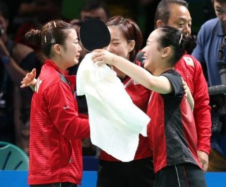 五輪女子卓球、シンガポールを破って、銅メダル。