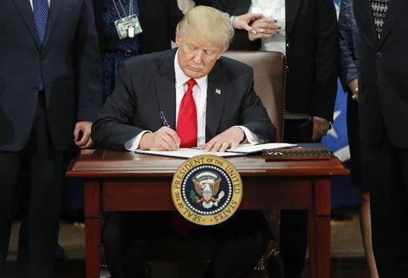 トランプ大統領が対メキシコ関税20%で壁を作る。 恐るべし即決即断。