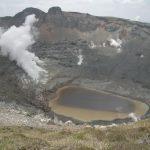 新燃岳が6年ぶりに噴火。 8年前に登る。